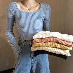 Shopherd - Ribbed Knit Top