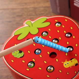 Hello Mammy - Magnetic Strawberry Worm Catcher Toy