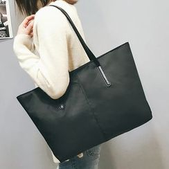 Montomery - Nylon Tote Bag