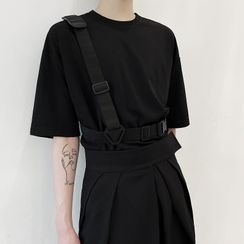 Bjorn - Short-Sleeve Buckled T-Shirt