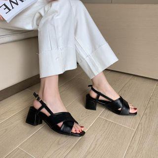 Freesia - 交差後跟帶粗跟涼鞋
