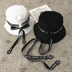 Pompabee - Lettering Strap Bucket Hat