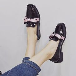 Arpeggi(アルペッジ) - Bow Accent Patent Loafers