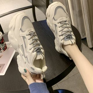 Yuki Yoru - Platform Lace Up Sneakers