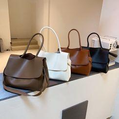 Fianna(フィアナ) - Flap Faux Leather Shoulder Bag