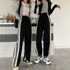 Guajillo - Striped Sweatpants