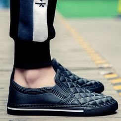 Auxen - Quilted Slip-Ons