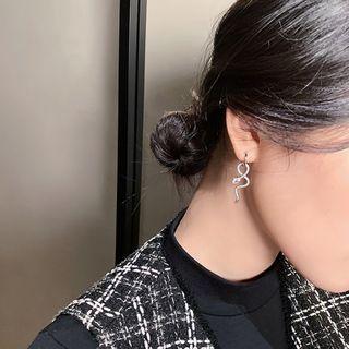 Ignar - Snake Shape Ear Circle  Earring