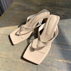 DEEPNY - Thong Block-Heel Sandals