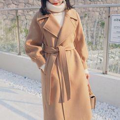 Luminato - 纯色大衣连饰带