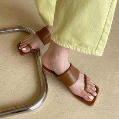 安若 - 多带平底凉鞋
