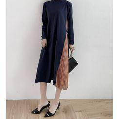 YARU - Two-Tone Pleated Panel Midi A-Line Dress
