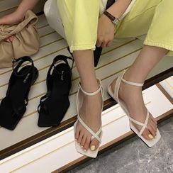 安若 - 踝扣带方形鞋头平底凉鞋