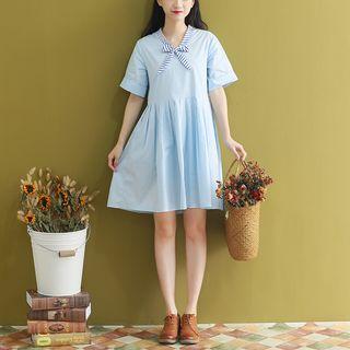 Fancy Show - Bow Accent Short-Sleeve A-Line Dress