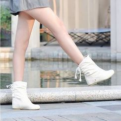 Shoes Galore - Lace Up Scrunched Short Boots