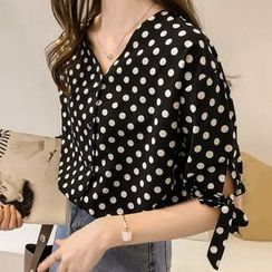 Rocho - Short-Sleeve V-Neck Side-Tie Dotted Blouse