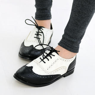 59 Seconds - Two-Tone Wing Tip Oxford Flats