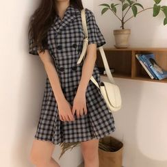 Pinatra - Short-Sleeve Plaid Double Breasted A-Line Mini Dress