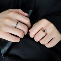 Carabel - 不锈钢圈环罗马数字戒指