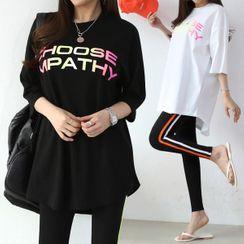 Seoul Fashion - Set: Letter Print T-Shirt + Contrast-Trim Leggings