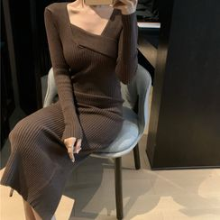 Small Trace - Long-Sleeve Knit Sheath Dress