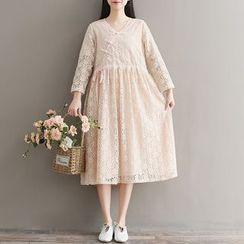 Clover Dream - Long-Sleeve A-Line Midi Lace Dress