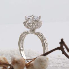 Supremo - Rhinestone Rose Ring