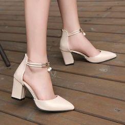 MANMANNI - Ankle Strap Block Heel Pumps