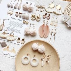 Dollu - Khaki Earring(Various Designs)