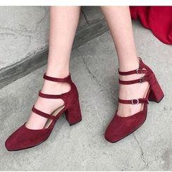 Freesia - 仿麂皮饰扣粗跟鞋