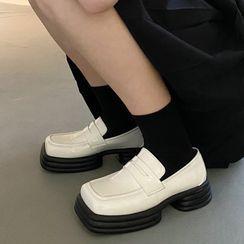 Futari - Square Toe Penny Loafers