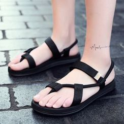 Auxen - Toe-Loop Ankle Strap Sandals