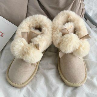 STEPUP - Pom Pom Snow Ankle Boots