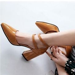 Freesia - 仿皮尖头粗跟鞋