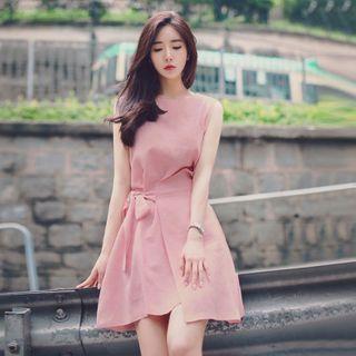 Frigga - Sleeveless Midi A-Line Dress