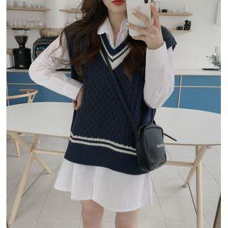 KiTi - Contrast-Trim V-Neck Knit Vest / Plain Shirtdress