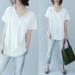 Taragon - Short-Sleeve V-Neck T-Shirt