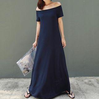 Oscuro - Short-Sleeve Off-Shoulder Maxi Dress