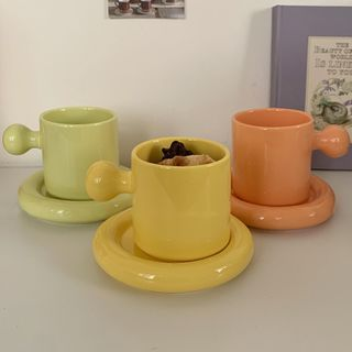 Hollos - Set: Plain Ceramic Drinking Cup + Saucer