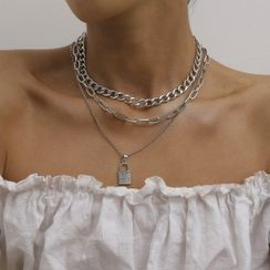 Seirios(セイリオス) - Set of 3: Chain Necklace + Rhinestone Lock Necklace