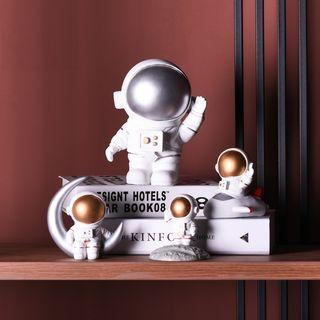 Accueil - Resin Astronaut Ornament