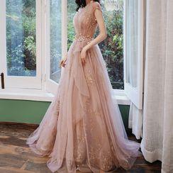 Rosita - 盖袖亮面贴布绣A字晚礼服
