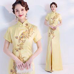 Caprice - Short-Sleeve Embellished A-Line Maxi Qipao Dress