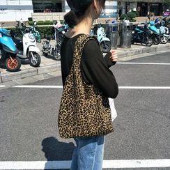 Basaran - Leopard Print Canvas Tote Bag
