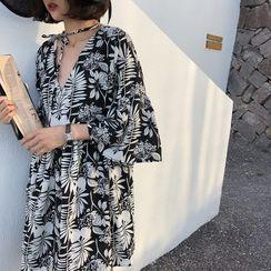Foreka - 花朵印花喇叭袖迷你直身連衣裙
