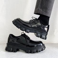 VEAZ - Lace-Up Patent Platform Oxford Shoes
