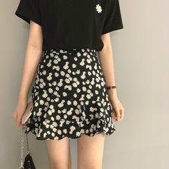 OUREA - Floral Short-Sleeve T-Shirt / Shorts