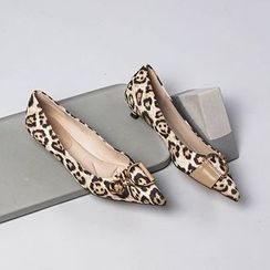 Achelois - Pointed Low-Heel Pumps