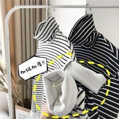ChouxChic - Long-Sleeve Striped Lined Turtleneck T-Shirt
