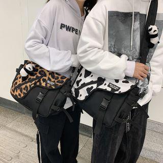 EAVALURE(イーヴァルア) - Patterned Buckled Nylon Messenger Bag